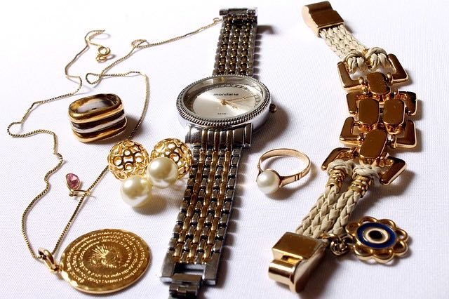 Achat or, pourquoi opter pour les bijoux?