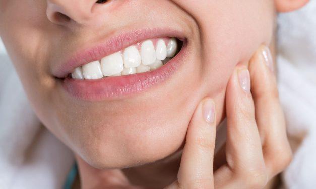 Douleurs dentaires : symptômes, causes, traitements